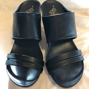 Kenneth Cole black heels